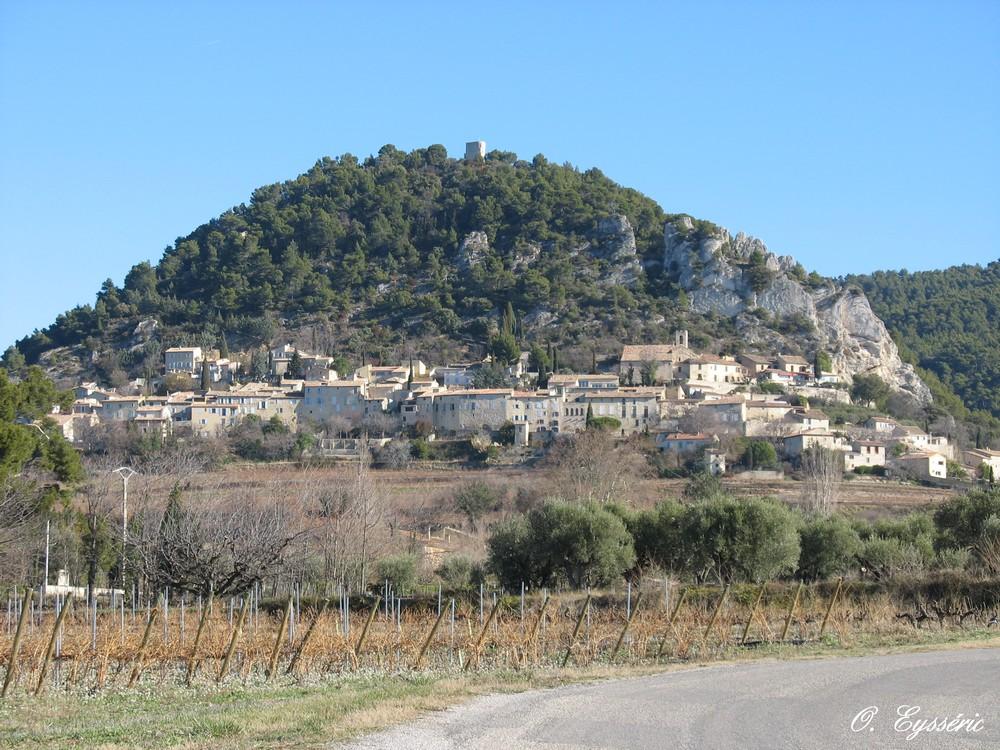 Seguret en vaucluse - La table du comtat seguret 84 ...
