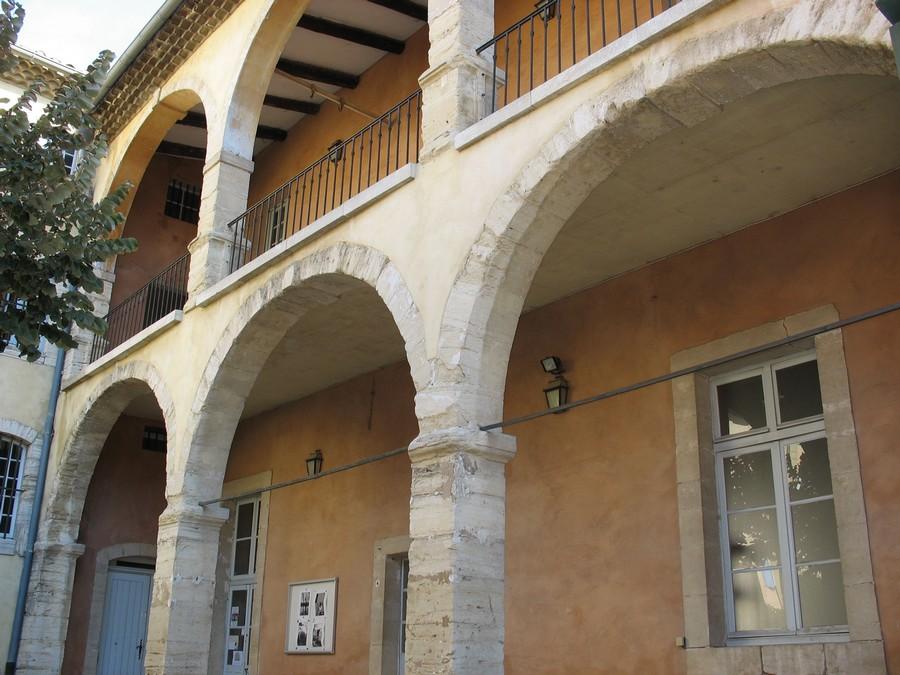 Carpentras 4 en vaucluse for Architecture 17eme siecle